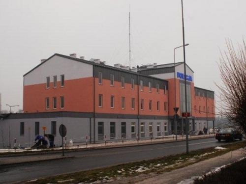 Budynek komendy policji w Żaganiu, przyszła nowosolska komenda jest oparta na bliźniaczym projekcie, jednak z udoskonaleniami.