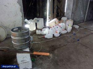 zabezpieczone pojemniki z niebezpieczną substancją
