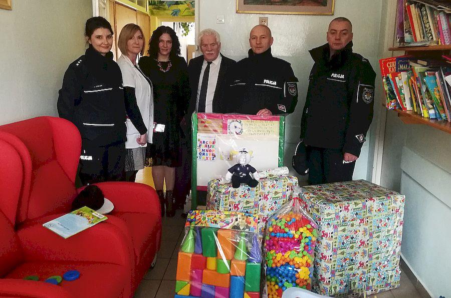 Opole Lub.: Zebrali pieniądze i kupili zabawki dla dzieci